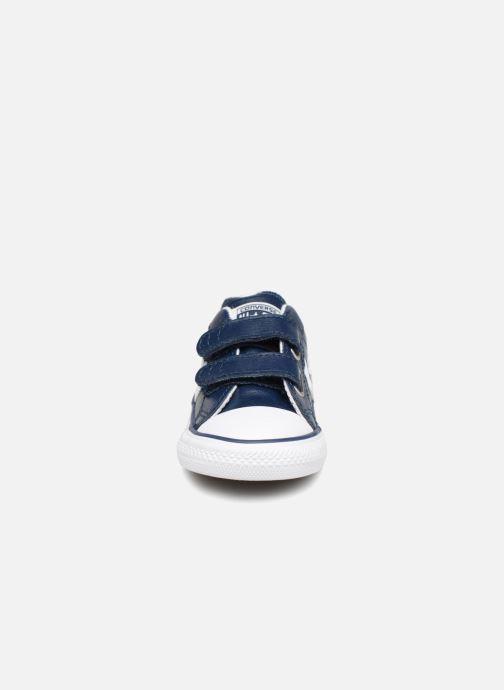 Sneakers Converse Star Player EV 2V Back To School Ox Azzurro modello indossato