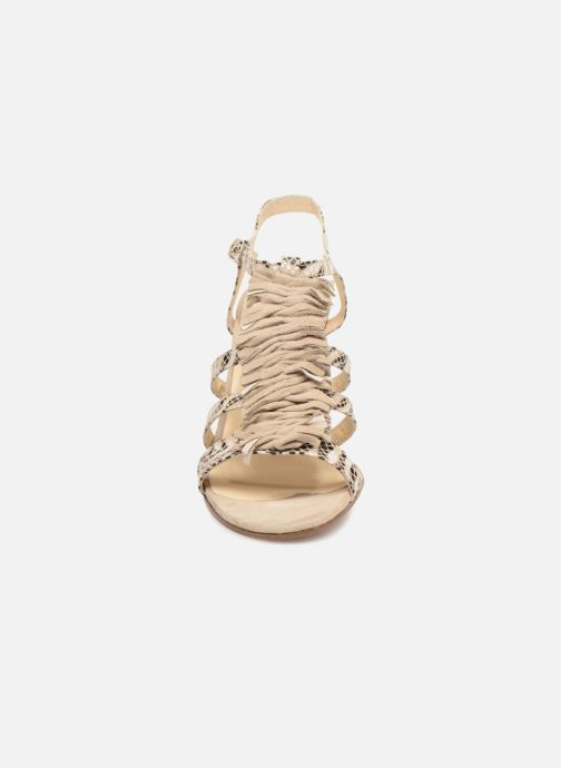 Sandales et nu-pieds Elizabeth Stuart Burem 723 Beige vue portées chaussures