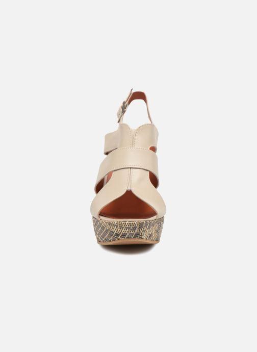 Sandales et nu-pieds Elizabeth Stuart Byr 721 Beige vue portées chaussures