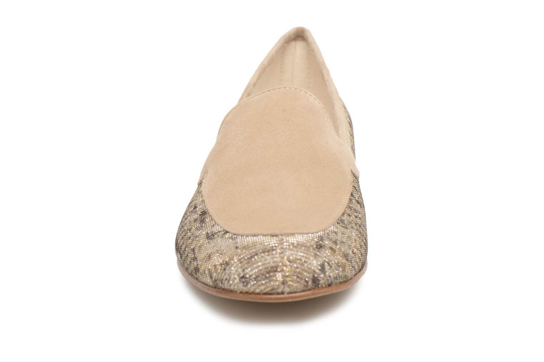 Mocassins Elizabeth Stuart Namo 713 Beige vue portées chaussures