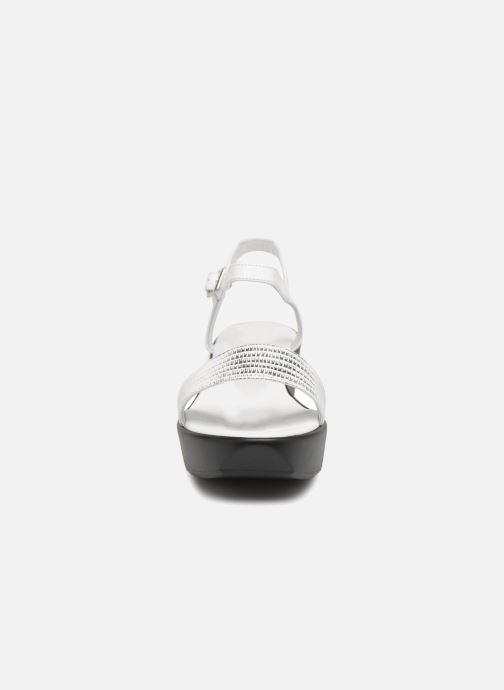 Sandales et nu-pieds Elizabeth Stuart Villau 519 Blanc vue portées chaussures