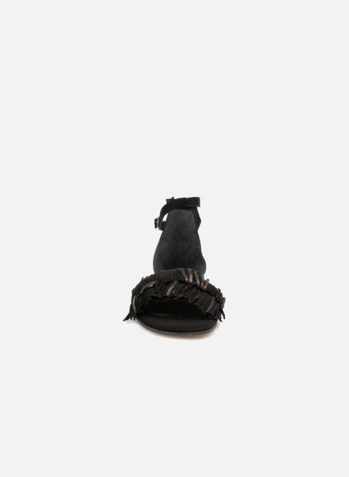 Sandales et nu-pieds Elizabeth Stuart Wlym 606 Noir vue portées chaussures