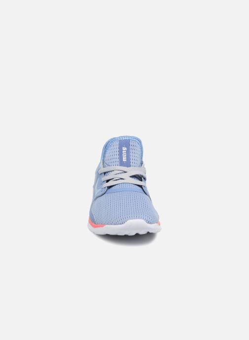 Baskets MTNG 69242 Bleu vue portées chaussures