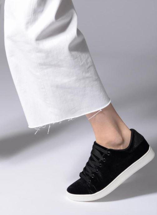Sneaker Vero Moda Viona schwarz ansicht von unten / tasche getragen