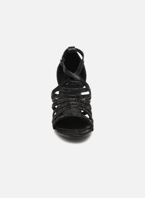 Sandales et nu-pieds Kaporal Tatiana Noir vue portées chaussures
