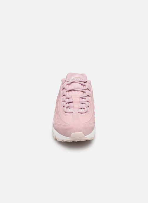 Baskets Nike Wmns Air Max 95 Prm Rose vue portées chaussures