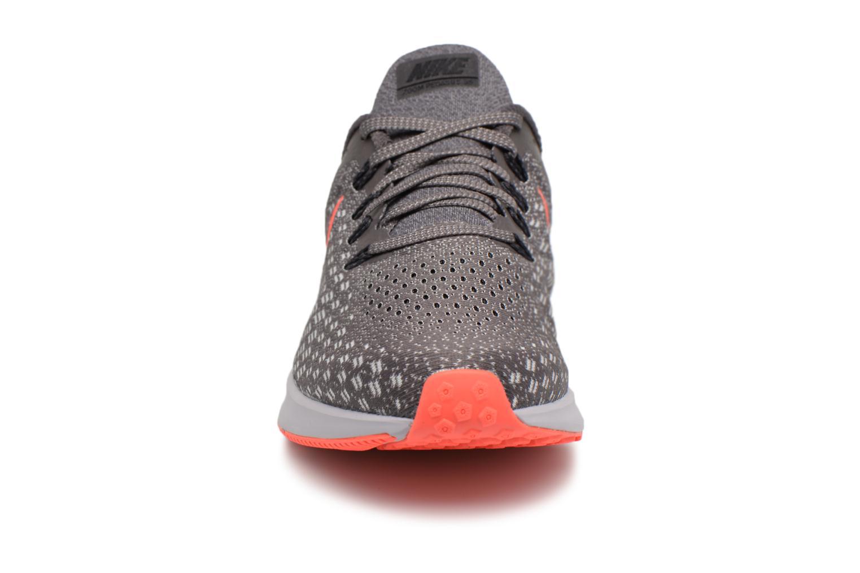 Chaussures de sport Nike Nike Air Zoom Pegasus 35 Gris vue portées chaussures