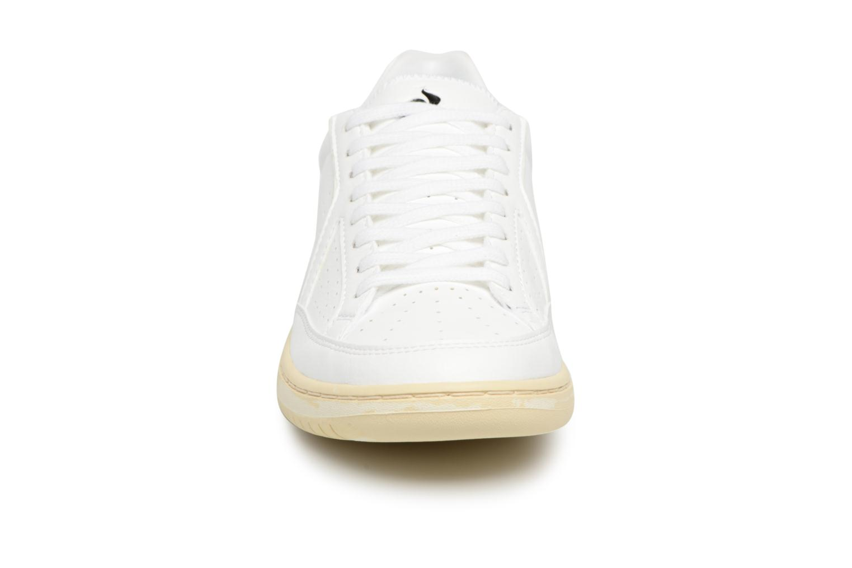 Sneakers Le Coq Sportif Icons Vintage Bianco modello indossato