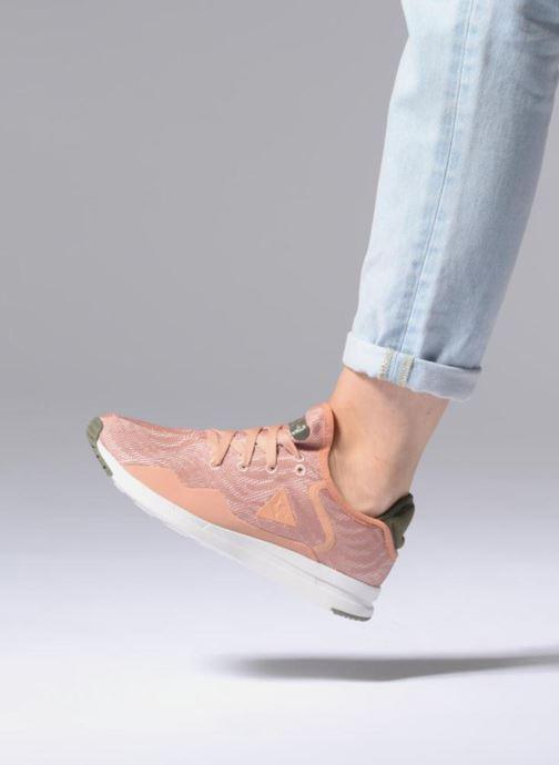 Sneaker Le Coq Sportif Solas W Sport rosa ansicht von unten / tasche getragen