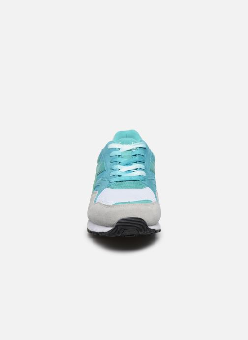 Baskets Diadora N902 Speckled Bleu vue portées chaussures