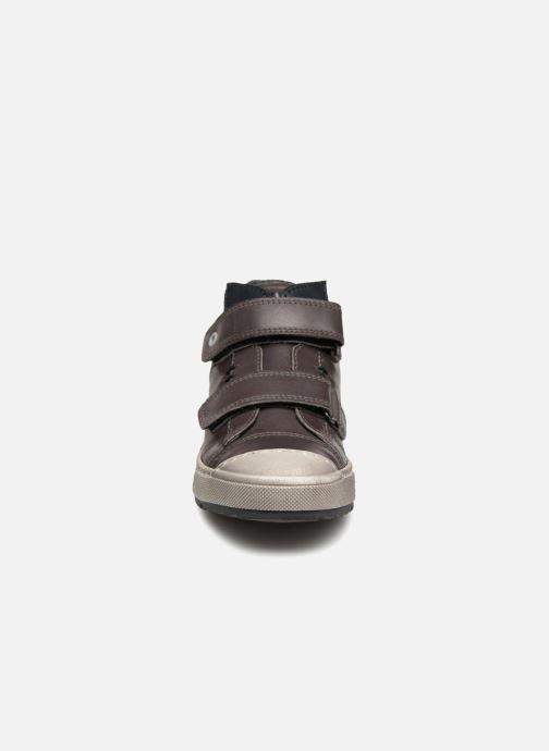 Sneaker Stones and Bones Boste grau schuhe getragen