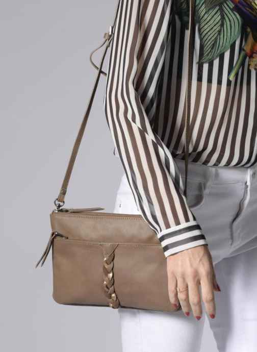 Clutch bags Sabrina Mélodie Brown view from underneath / model view