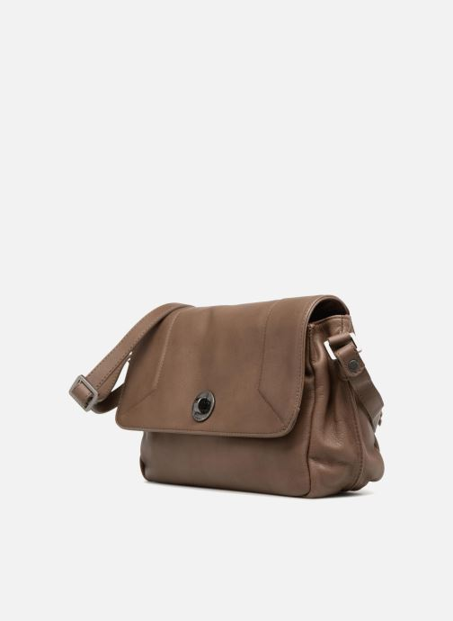 Handtaschen Sabrina Valérie braun schuhe getragen