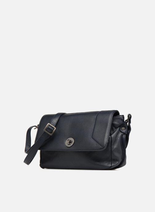 Handtaschen Sabrina Valérie blau schuhe getragen