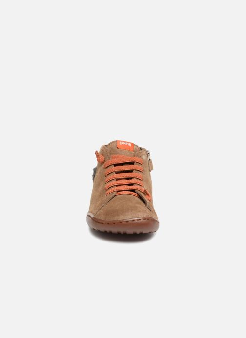 Sneakers Camper TWS Lion Marrone modello indossato