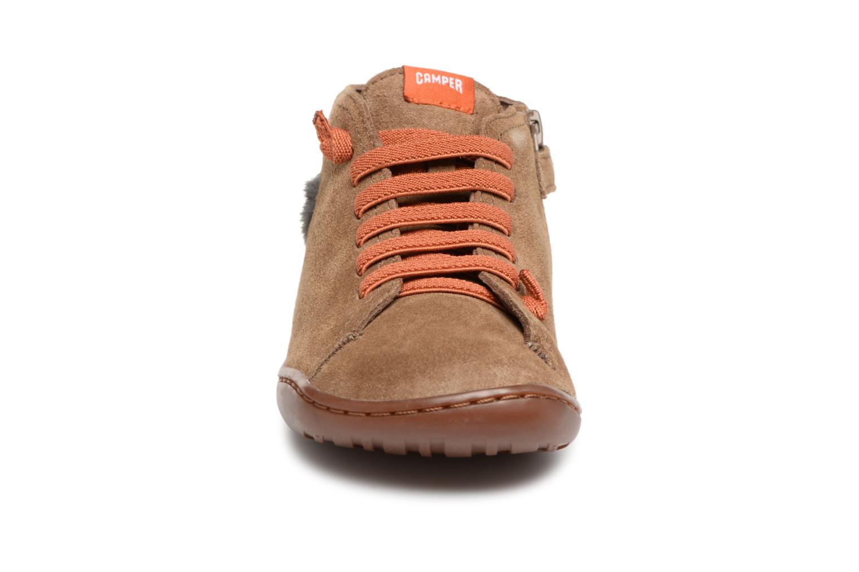 Sneakers Camper TWS Lion Marrone modello indossato