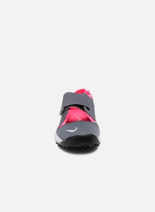 Baskets Nike Rift (Gs/Ps Girls) Gris vue portées chaussures