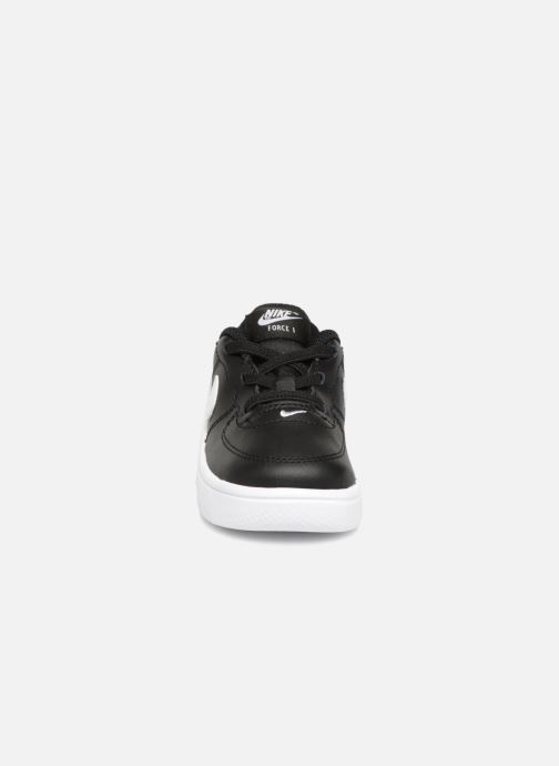 Deportivas Nike Force 1 '18 (Td) Negro vista del modelo