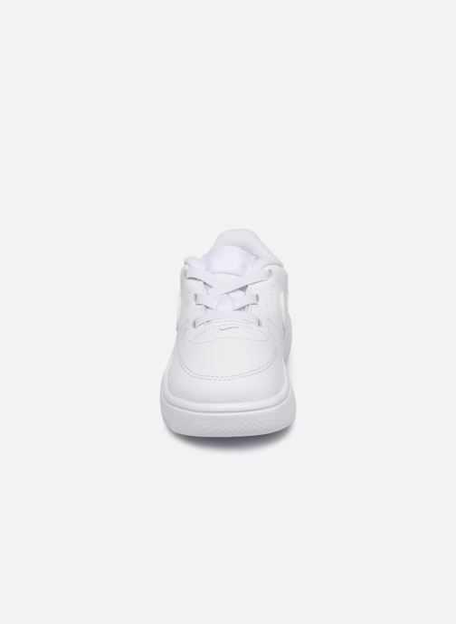 Baskets Nike Force 1 '18 (Td) Blanc vue portées chaussures