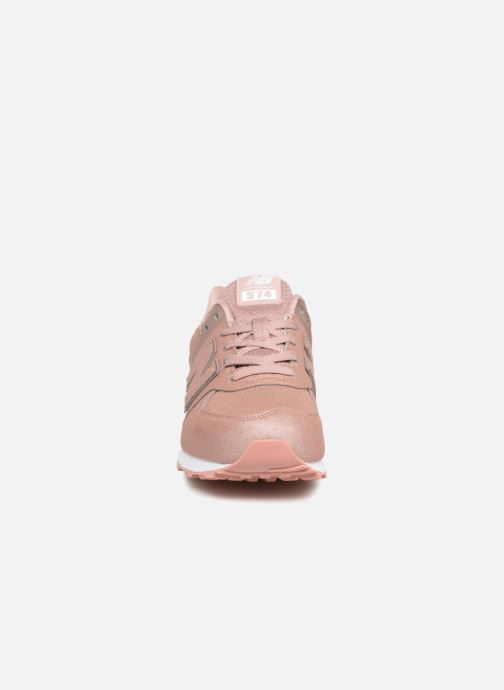 Baskets New Balance GC574 Rose vue portées chaussures