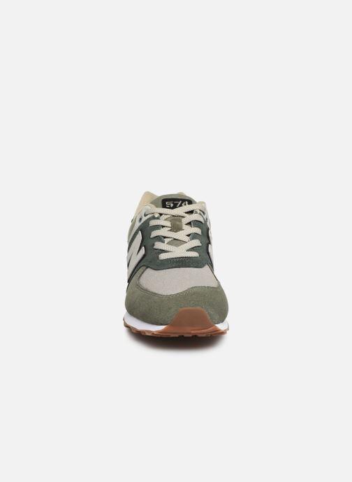 Baskets New Balance GC574 Vert vue portées chaussures