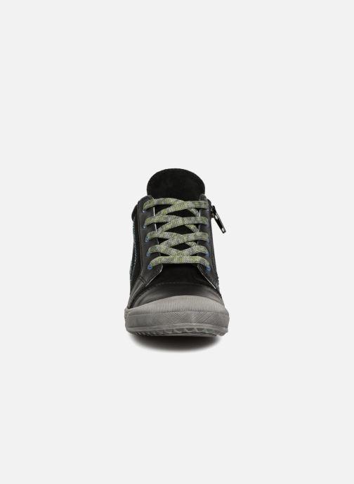 Baskets Minibel Ringo Noir vue portées chaussures