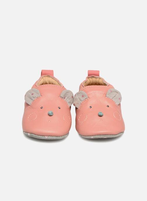 Pantofole Babybotte Sourirose - Moulin Roty Rosa modello indossato