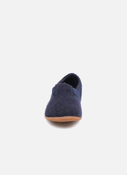 Chaussons Giesswein Weidach Bleu vue portées chaussures