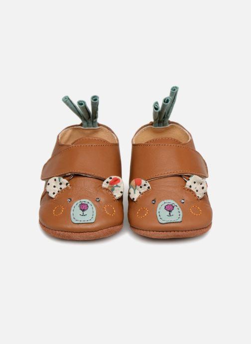 Hjemmesko Babybotte Ours - Moulin Roty Gul se skoene på