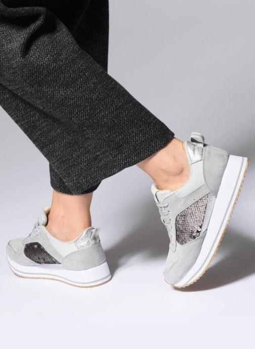 Sneaker ONLY onlSMILLA ELEVATED GLITTER SNEAKER grau ansicht von unten / tasche getragen