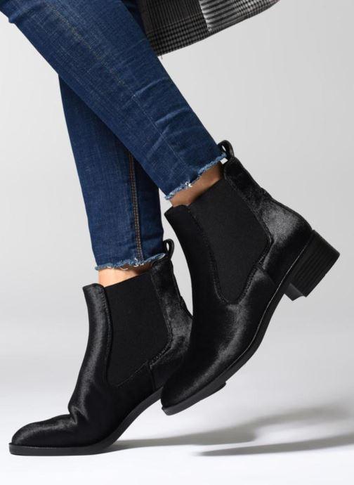 Bottines et boots ONLY onlBRIGHT VELVET PU BOOTIE Noir vue bas / vue portée sac