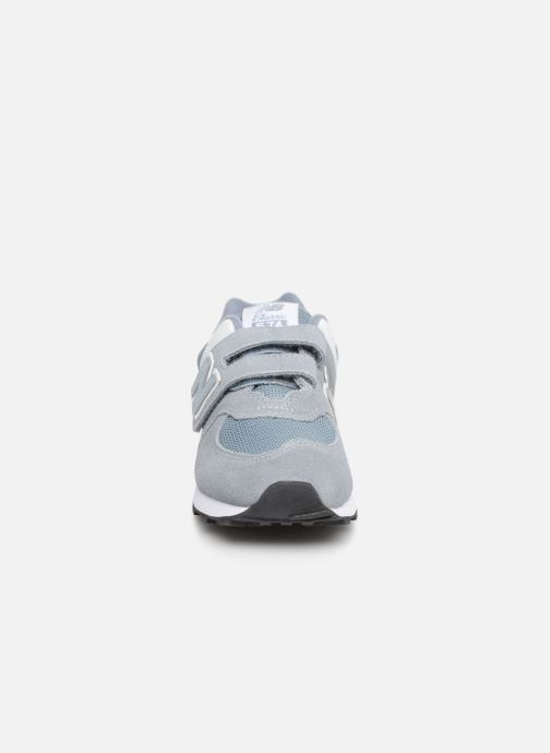 Baskets New Balance YV574 Gris vue portées chaussures