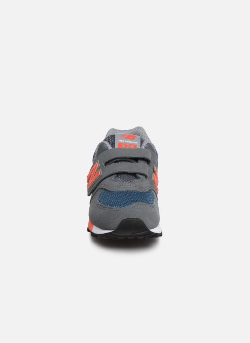 Baskets New Balance YV574 Vert vue portées chaussures