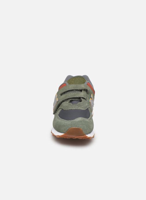 Sneaker New Balance YV574 grün schuhe getragen