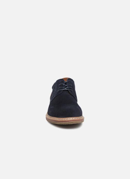 Scarpe con lacci I Love Shoes KEMOUNT Leather Azzurro modello indossato