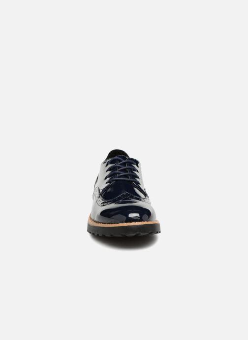 Scarpe con lacci I Love Shoes Gonely Azzurro modello indossato