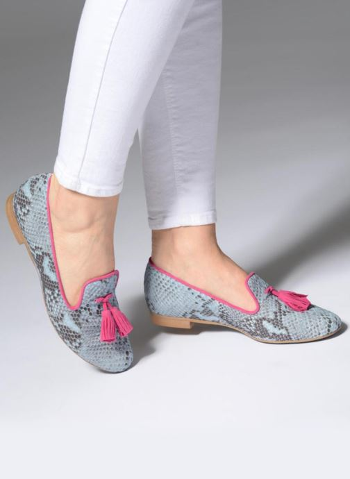 Loafers L37 Cinderella Blue view from underneath / model view