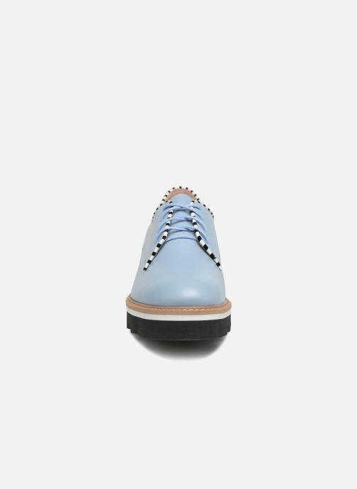Zapatos con cordones L37 Miss Sky Azul vista del modelo