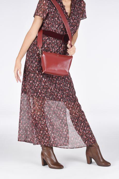 Handtaschen Craie ALCHIMIE weinrot ansicht von unten / tasche getragen