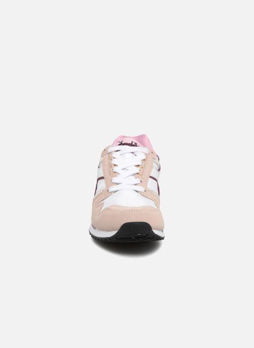 Baskets Diadora I.C 4000 NYL II Rose vue portées chaussures