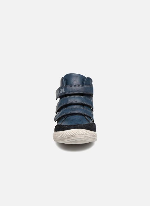 Baskets Bopy Iboki Sk8 Bleu vue portées chaussures