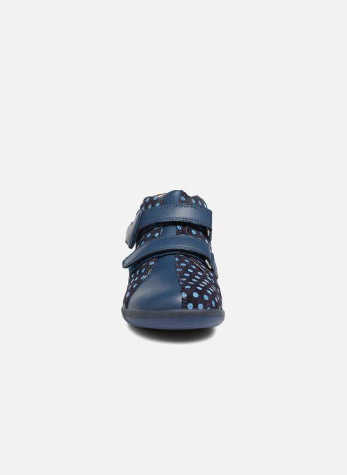 Baskets Agatha Ruiz de la Prada Butterfly S dots Bleu vue portées chaussures
