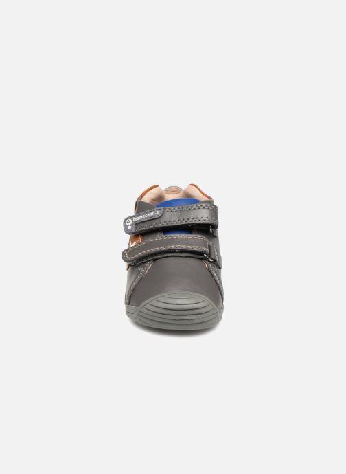 Baskets Biomecanics Capitan Gris vue portées chaussures