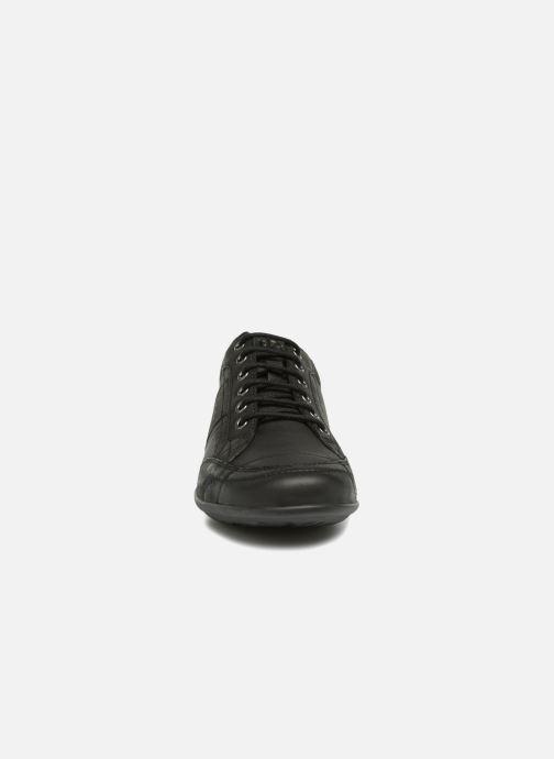 Sneakers TBS Tumbler Nero modello indossato