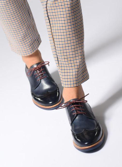 Chaussures à lacets Georgia Rose Nibrit Bleu vue bas / vue portée sac