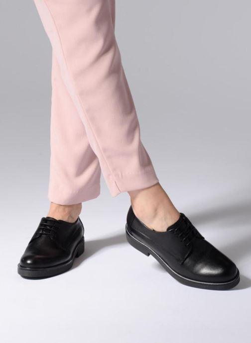 Chaussures à lacets Georgia Rose Niroule Noir vue bas / vue portée sac