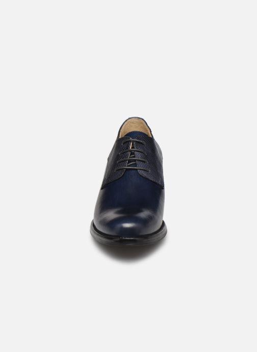 Zapatos con cordones Georgia Rose Nicia Azul vista del modelo