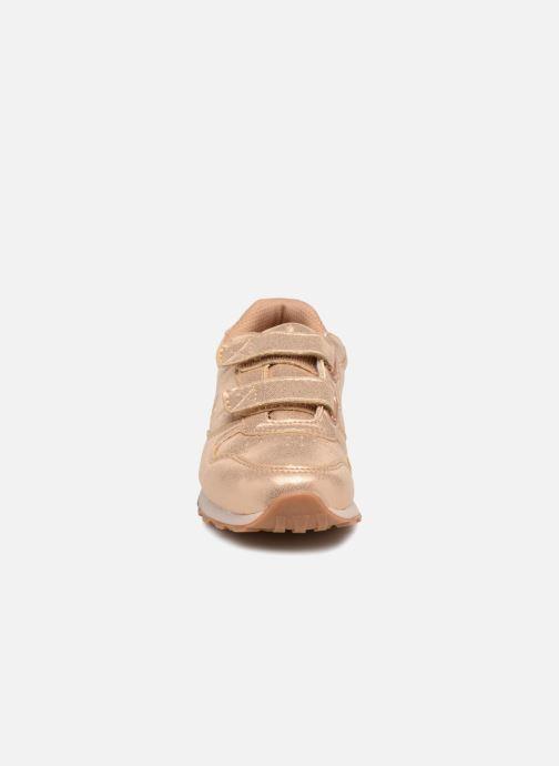 Baskets LICO Glare V Argent vue portées chaussures