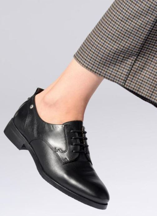 Schnürschuhe Pikolinos Royal W4D-4723 schwarz ansicht von unten / tasche getragen