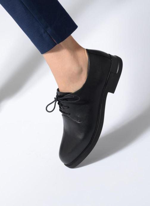 Chaussures à lacets Camper Iman K200685 Noir vue bas / vue portée sac